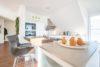 ++VERKAUFT++  Penthouse exklusiv: Loft-Design, individuelle Architektur, modernes Wohnen - Einbauküche mit Theke